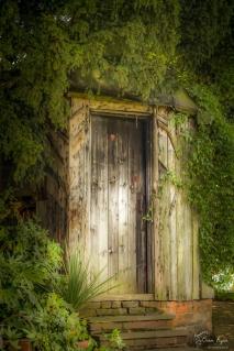 A wooden hut at Mount Ephraim Gardens