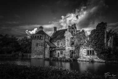 Monochrome photograph of Scotney Castle Ruins